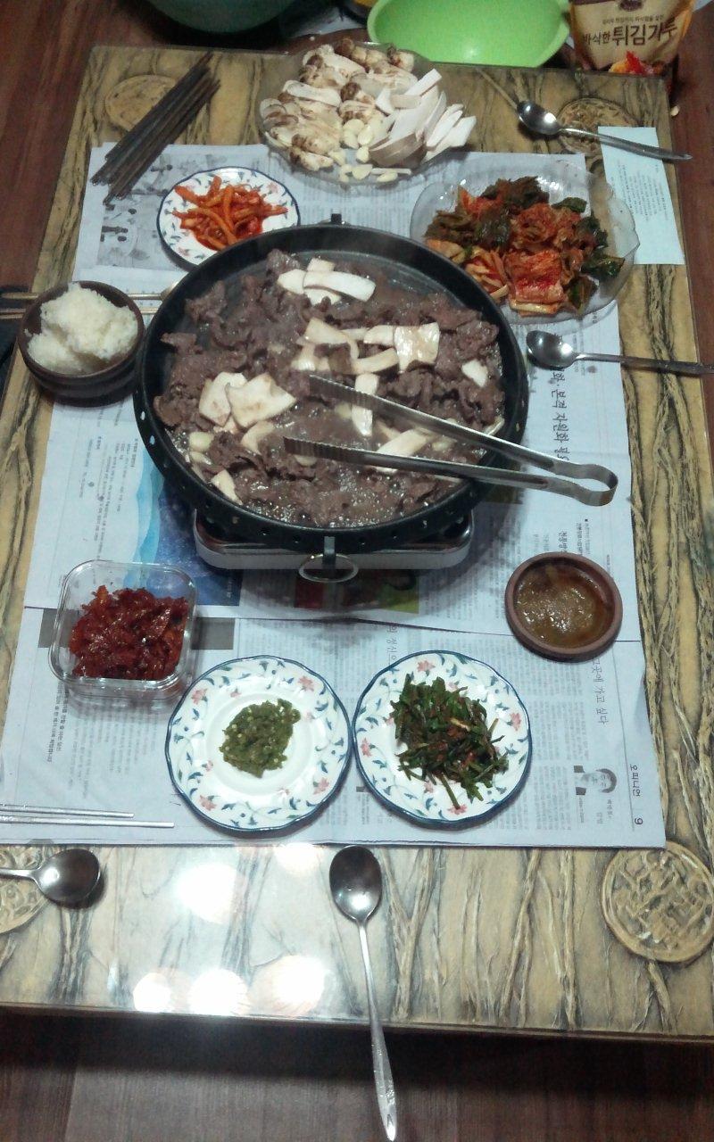 향긋한 자연산 송이와 한우의 만남 (조촐한 저녁)